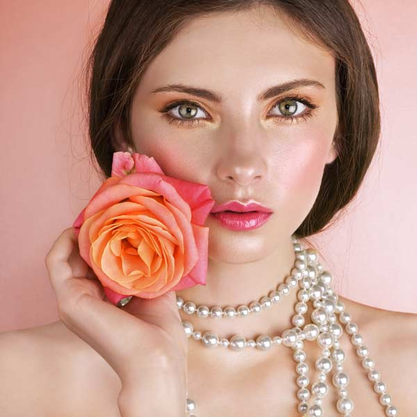 la Rosa: la regina dei fiori nel proprio giardino