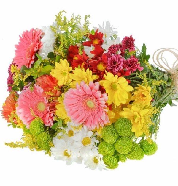 Gerbere, fiori misti e mimosa