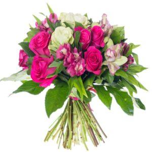 Vivace bouquet colorato di gerbere e alstroemerie